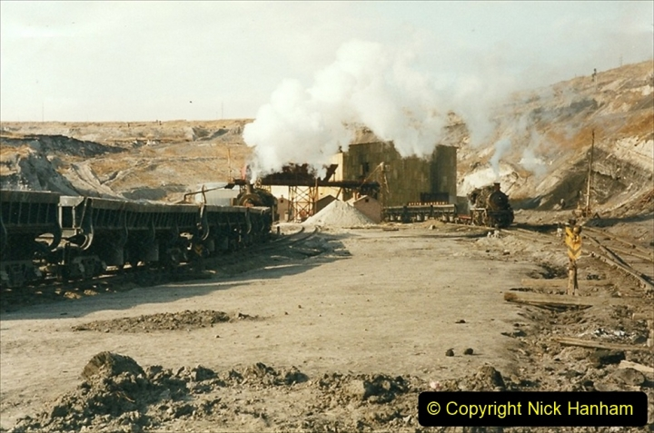 China 1999 October Number 1. (167) At Jalainur Opencast Coal Mine.