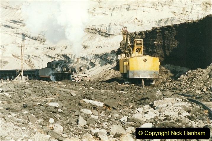 China 1999 October Number 1. (195) At Jalainur Opencast Coal Mine.