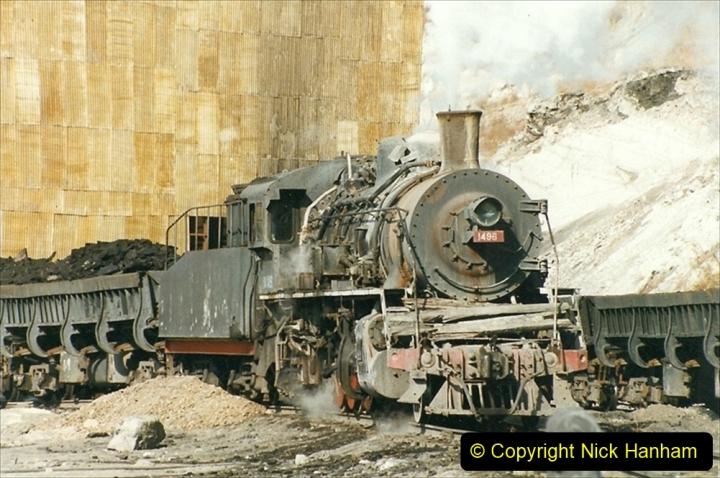 China 1999 October Number 1. (197) At Jalainur Opencast Coal Mine.
