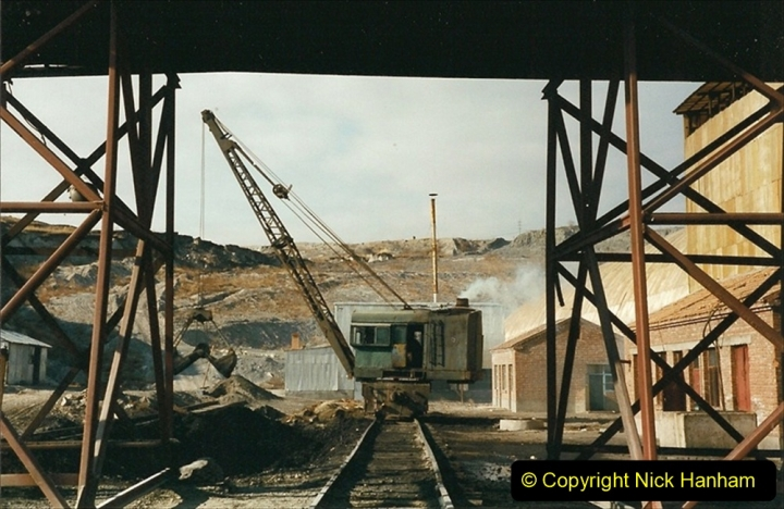 China 1999 October Number 1. (199) At Jalainur Opencast Coal Mine.
