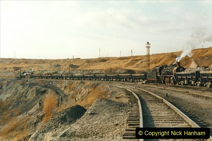 China 1999 October Number 1. (231) At Jalainur Opencast Coal Mine.
