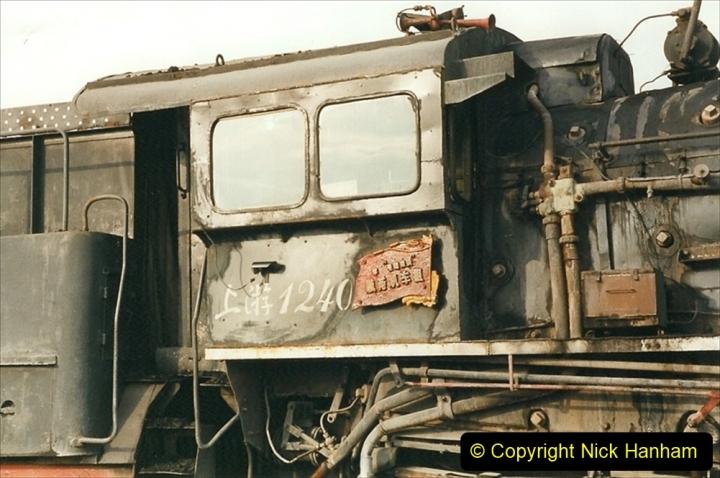 China 1999 October Number 1. (236) At Jalainur Opencast Coal Mine.