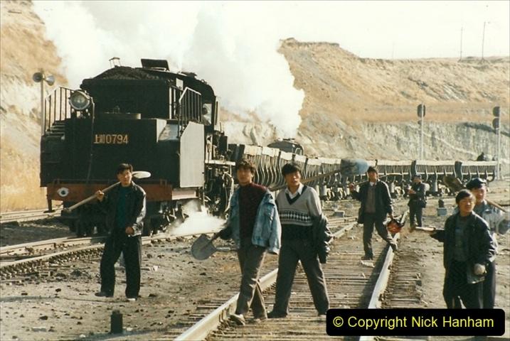 China 1999 October Number 1. (246) At Jalainur Opencast Coal Mine.