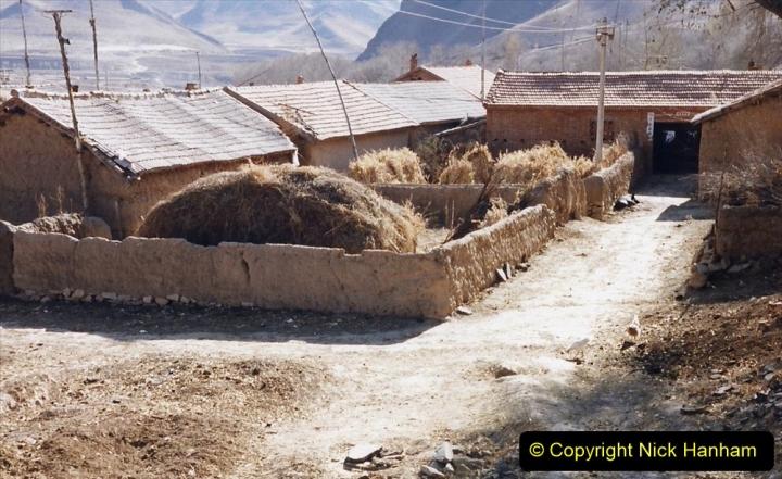 China 1999 October Number 2. (274) The Jingpeng Pass locals.