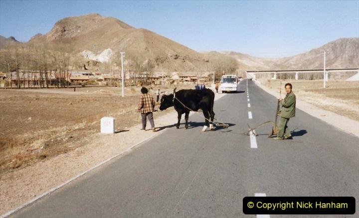 China 1999 October Number 2. (276) The Jingpeng Pass locals.