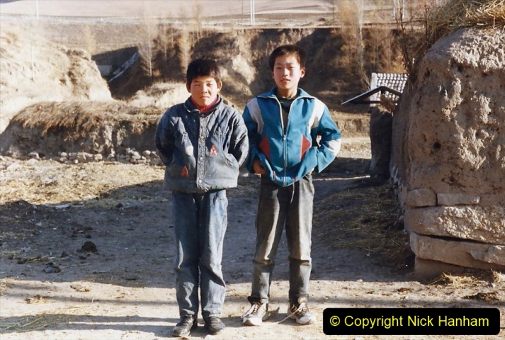 China 1999 October Number 2. (327) The Jingpeng Pass. Local lads.