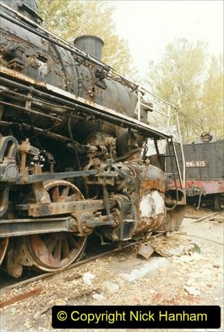 China 1999 October Number 3. (185)  China Rail Lingfen Depot185
