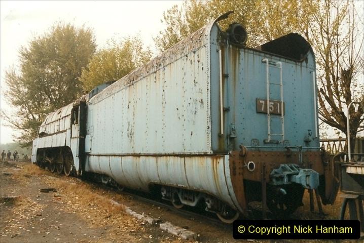 China 1999 October Number 3. (198)  China Rail Lingfen Depot198