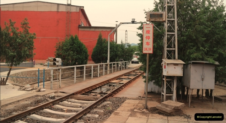 China & UK. (2) Turntable at Nankow Depot, Beijing. Unlike other depots, this site still keeps many facilities of the steam era. 002