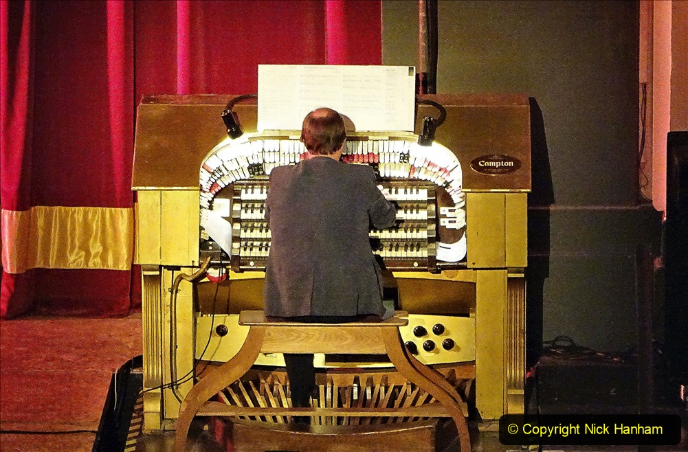 2019-12-12 Christmas Cracker & Bournemouth (13)  The Christmas Cracker Show in aid of the Compton organ fund. 013