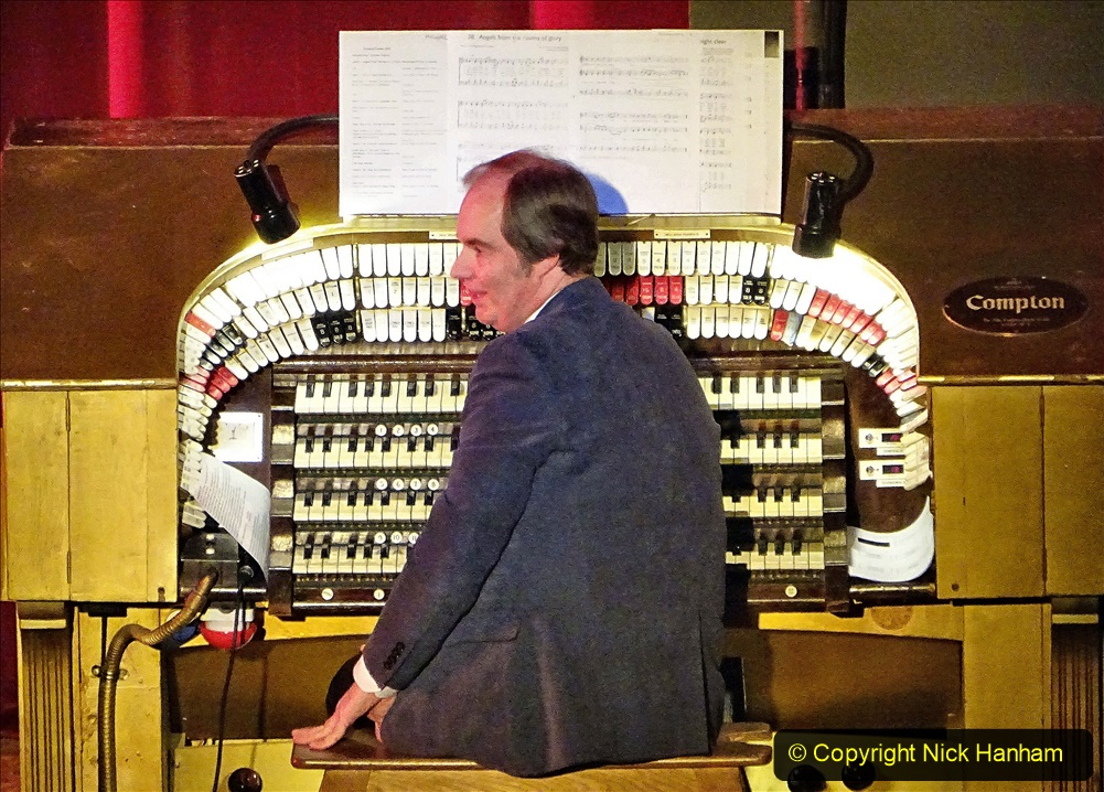 2019-12-12 Christmas Cracker & Bournemouth (17)  The Christmas Cracker Show in aid of the Compton organ fund. 017