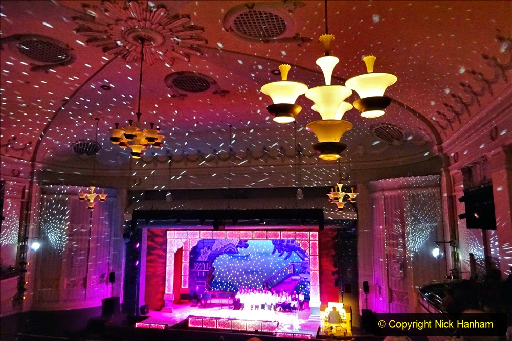 2019-12-12 Christmas Cracker & Bournemouth (28)  The Christmas Cracker Show in aid of the Compton organ fund. 028