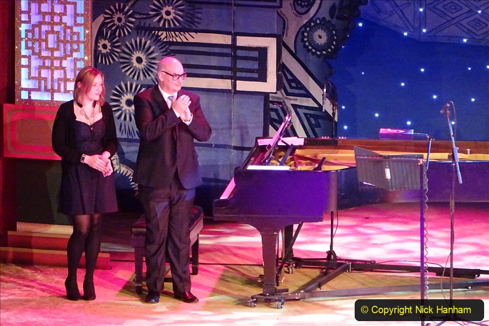 2019-12-12 Christmas Cracker & Bournemouth (39)  The Christmas Cracker Show in aid of the Compton organ fund. 039