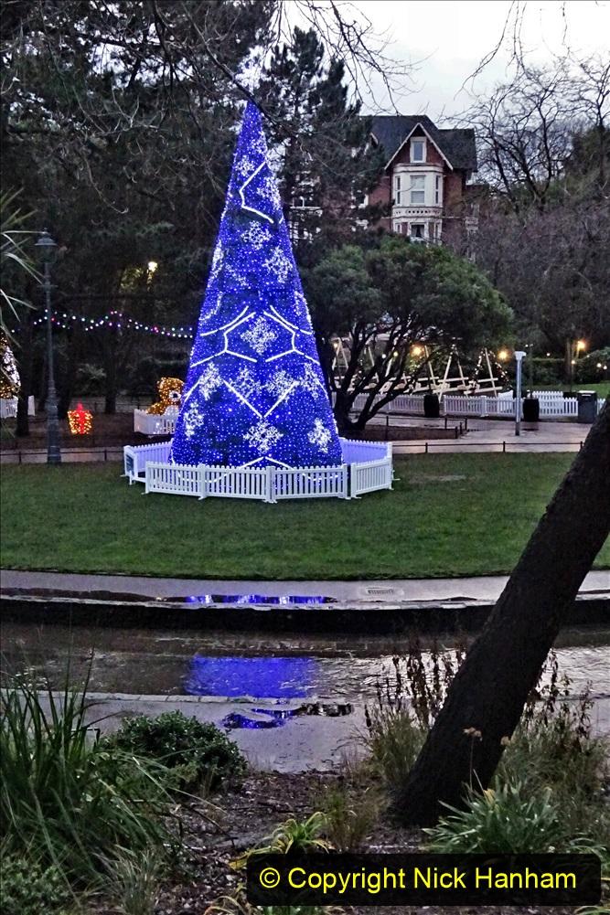 2019-12-12 Christmas Cracker & Bournemouth (48) Lower Gardens lights. 048