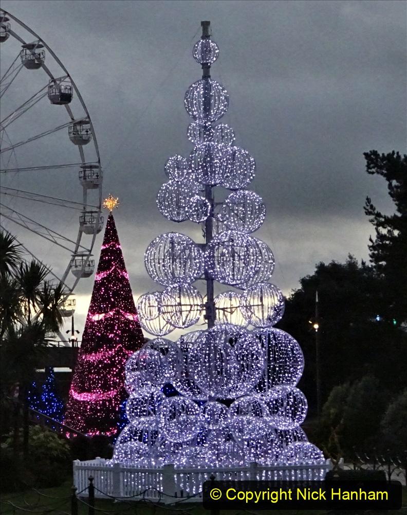2019-12-12 Christmas Cracker & Bournemouth (53) Lower Gardens lights. 053