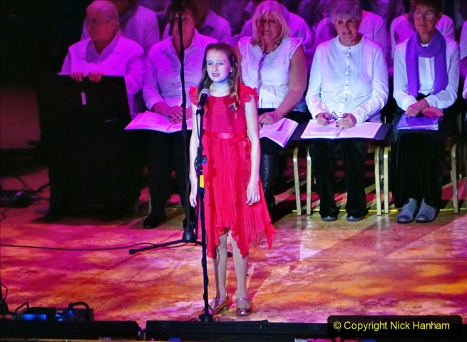 2019-12-12 Christmas Cracker & Bournemouth (27)  The Christmas Cracker Show in aid of the Compton organ fund. 027
