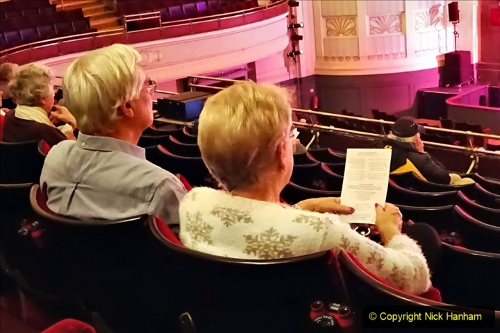 2019-12-12 Christmas Cracker & Bournemouth (35)  The Christmas Cracker Show in aid of the Compton organ fund. 035