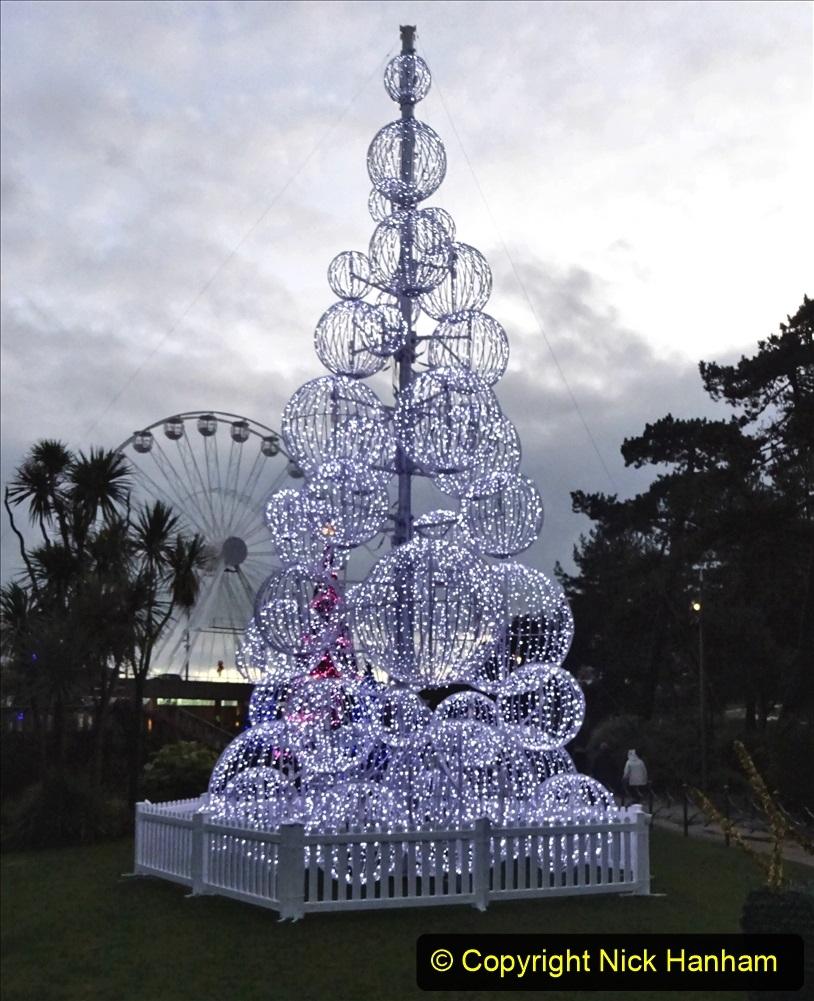 2019-12-12 Christmas Cracker & Bournemouth (50) Lower Gardens lights. 050