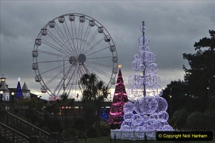 2019-12-12 Christmas Cracker & Bournemouth (51) Lower Gardens lights. 051