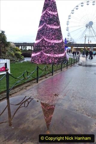2019-12-12 Christmas Cracker & Bournemouth (56) Lower Gardens lights. 056