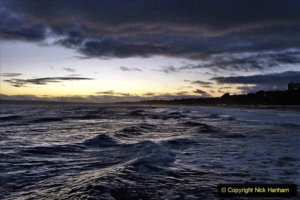 2019-12-12 Christmas Cracker & Bournemouth (75) Sunset. 075