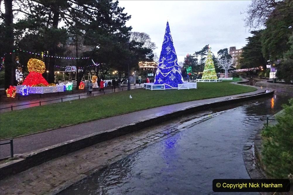 2019-12-12 Christmas Cracker & Bournemouth (79) More Lower Gardens Lights.079