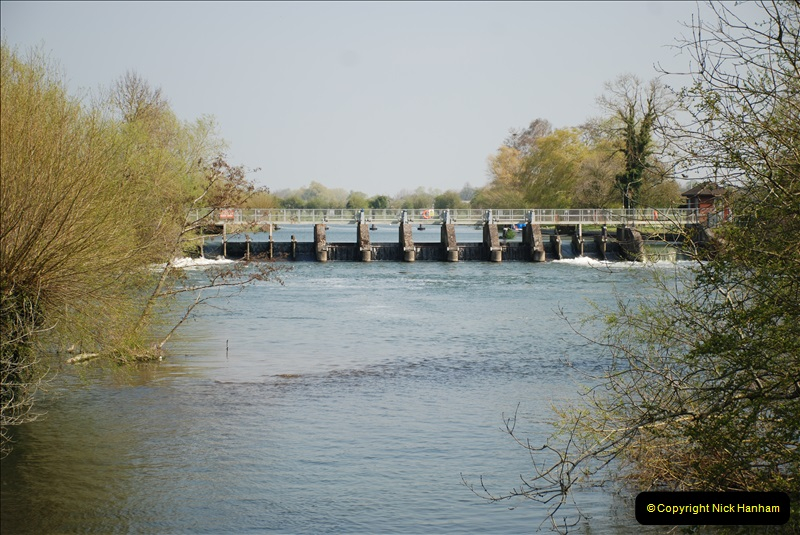2019-04-14 to 15 Dorchester-on-Thames, Oxfordshire. (103) A walk near Dorchester and the River Thames. 106103