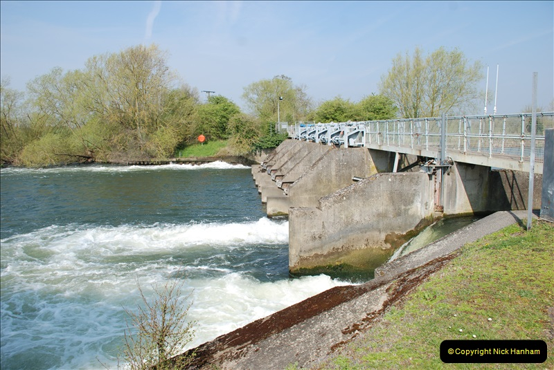 2019-04-14 to 15 Dorchester-on-Thames, Oxfordshire. (120) A walk near Dorchester and the River Thames. 123120
