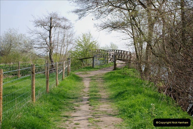 2019-04-14 to 15 Dorchester-on-Thames, Oxfordshire. (145) A walk near Dorchester and the River Thames. 148145