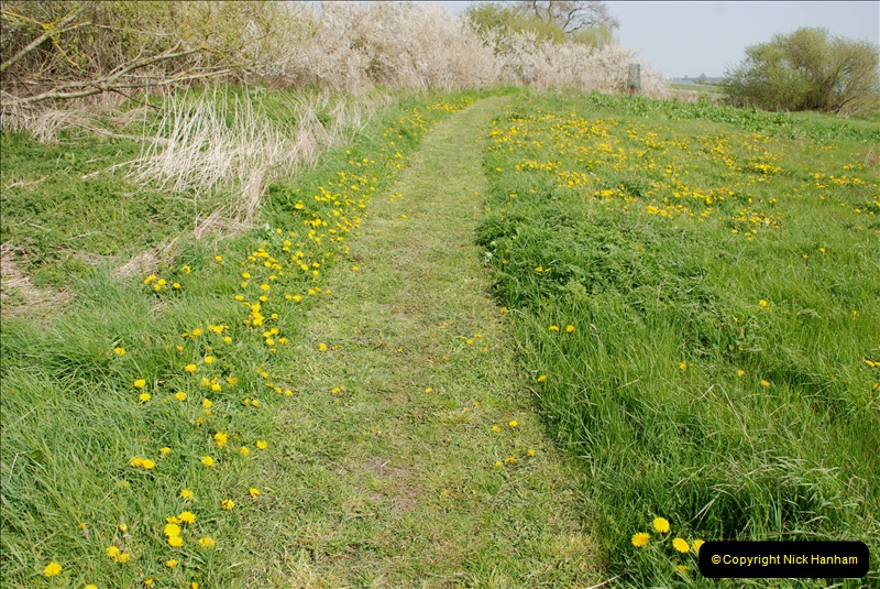 2019-04-14 to 15 Dorchester-on-Thames, Oxfordshire. (166) A walk near Dorchester and the River Thames. 169166