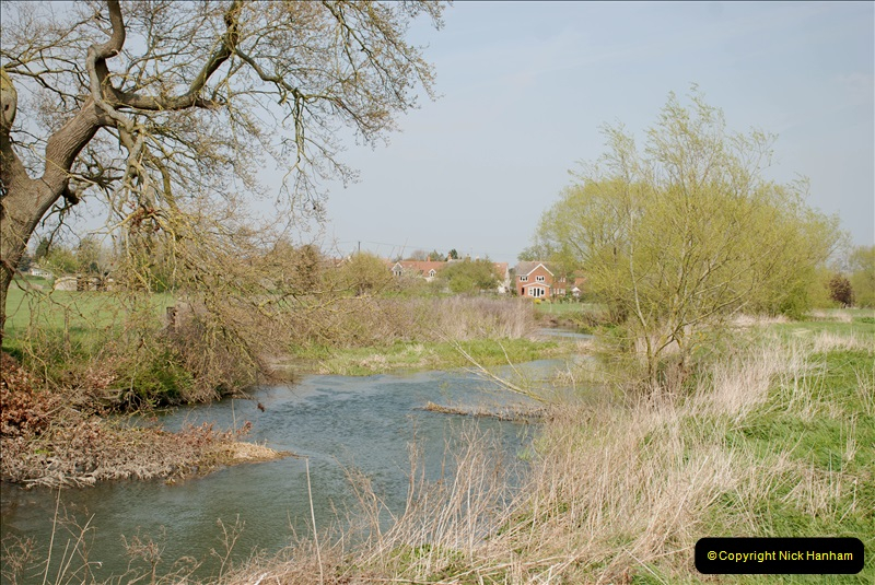 2019-04-14 to 15 Dorchester-on-Thames, Oxfordshire. (169) A walk near Dorchester and the River Thames. 172169