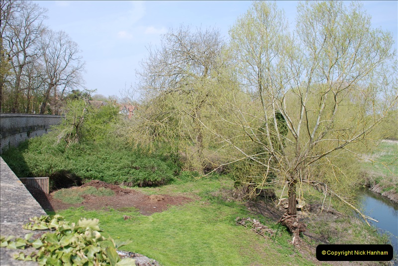 2019-04-14 to 15 Dorchester-on-Thames, Oxfordshire. (188) A walk near Dorchester and the River Thames. 191188