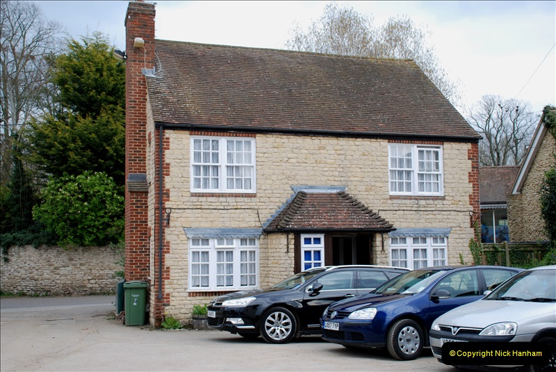 2019-04-14 to 15 Dorchester-on-Thames, Oxfordshire. (8) Our Hotel. 11008