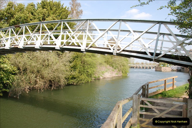 2019-04-14 to 15 Dorchester-on-Thames, Oxfordshire. (84) A walk near Dorchester and the River Thames. 87084