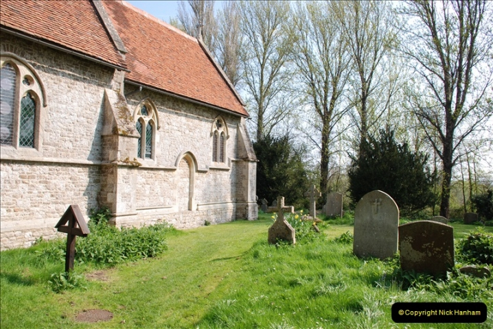 2019-04-14 to 15 Dorchester-on-Thames, Oxfordshire. (101) A walk near Dorchester and the River Thames. Little Wittenham Church. 104101