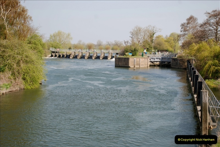 2019-04-14 to 15 Dorchester-on-Thames, Oxfordshire. (104) A walk near Dorchester and the River Thames. 107104