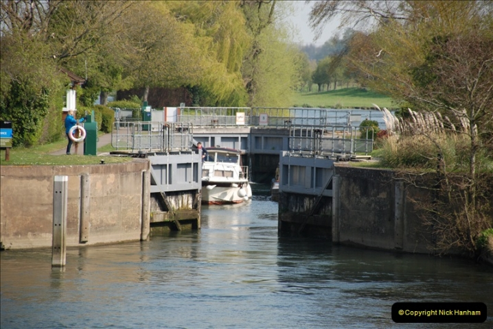 2019-04-14 to 15 Dorchester-on-Thames, Oxfordshire. (105) A walk near Dorchester and the River Thames. 108105