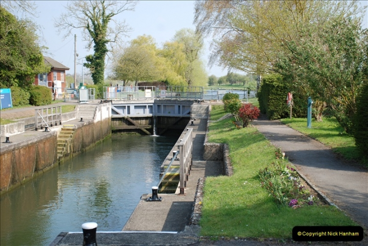 2019-04-14 to 15 Dorchester-on-Thames, Oxfordshire. (113) A walk near Dorchester and the River Thames. 116113