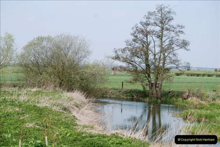 2019-04-14 to 15 Dorchester-on-Thames, Oxfordshire. (156) A walk near Dorchester and the River Thames. 159156