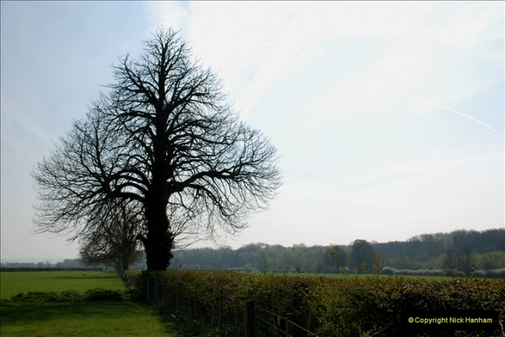 2019-04-14 to 15 Dorchester-on-Thames, Oxfordshire. (81) A walk near Dorchester and the River Thames. 84081