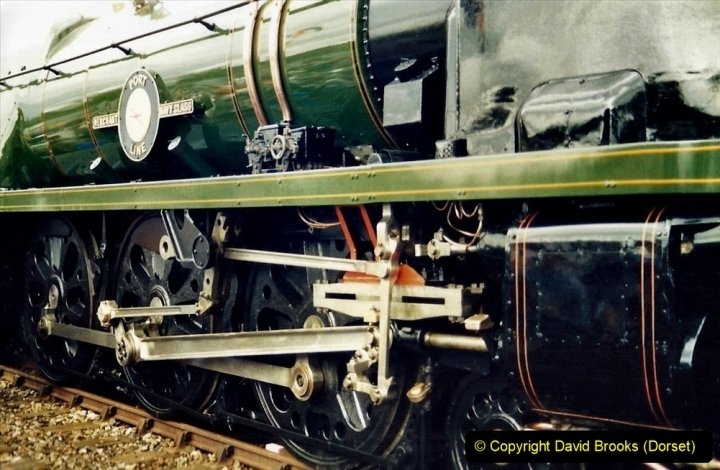 2009-08-20 Woking Rail 150. (10) 061