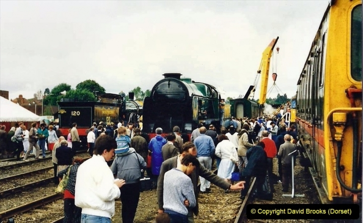 2009-08-20 Woking Rail 150. (12) 063
