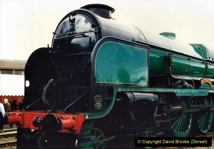 2009-08-20 Woking Rail 150. (16) 067