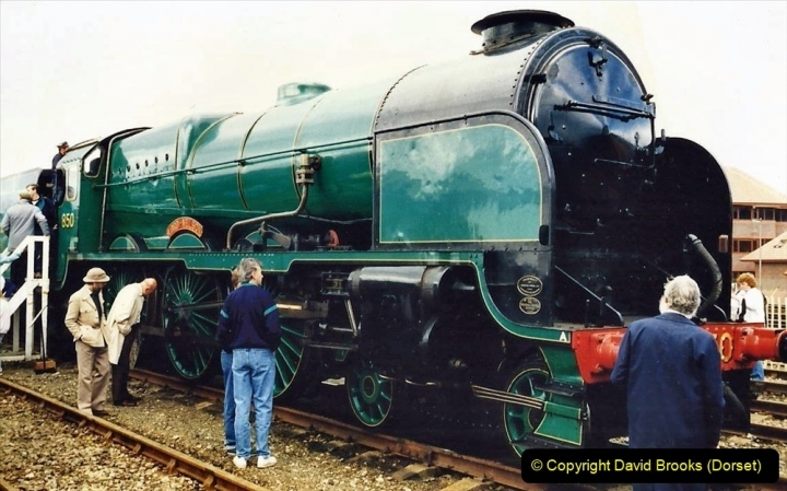 2009-08-20 Woking Rail 150. (17) 068