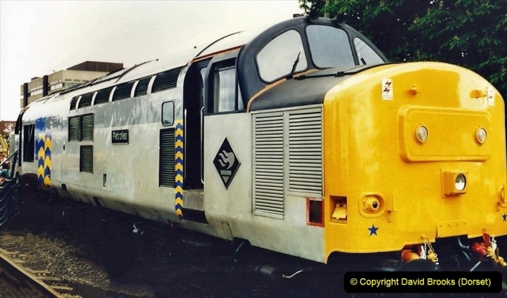2009-08-20 Woking Rail 150. (31) 082