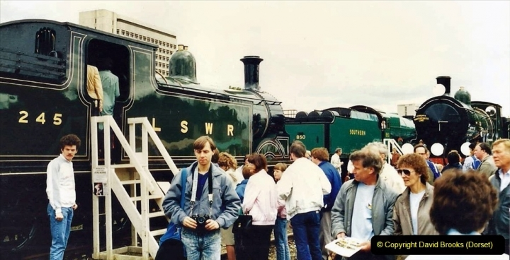 2009-08-20 Woking Rail 150. (7) 058