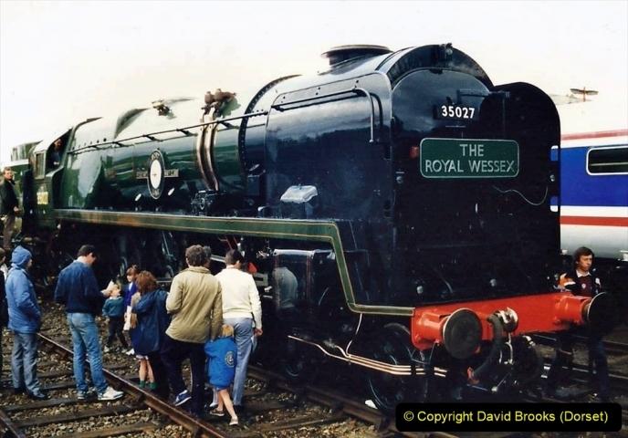 2009-08-20 Woking Rail 150. (9) 060