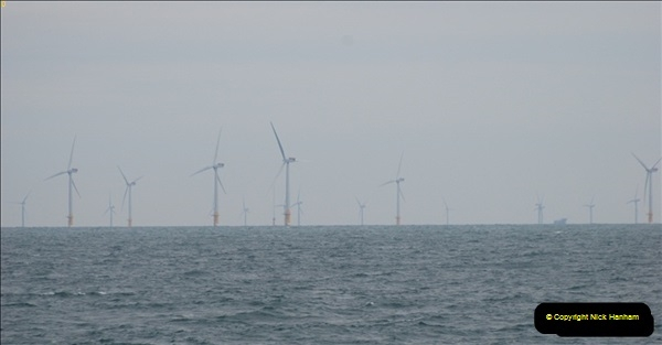 2012-06-02 North Sea Oil & Gas Platforms, Wind Farms & The River Thames.  (26)0580