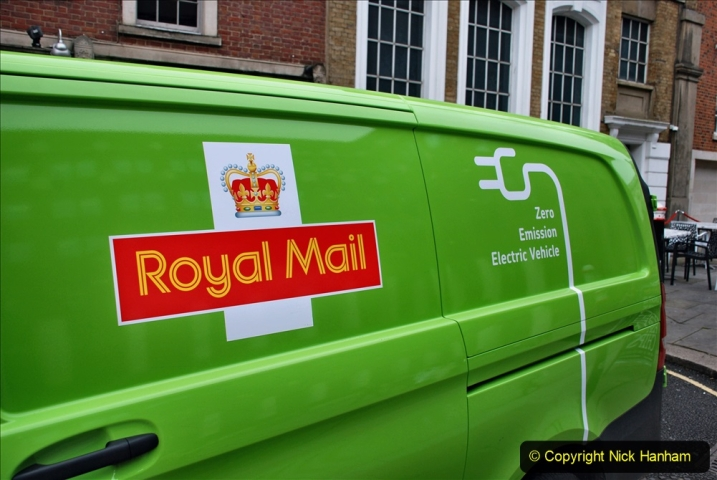 2019-12-16 London. (108) Royal Mail goes electric. 108