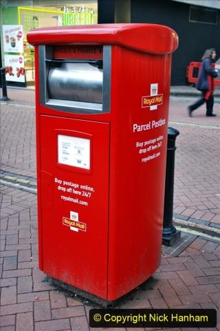 2019-12-16 London. (160) Royal Mail new parcel box. 160